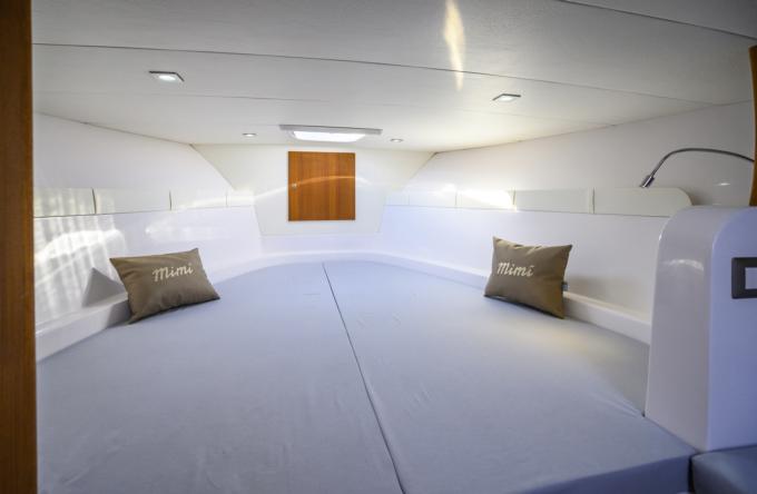 interno gozzo cabina 9,5 sport